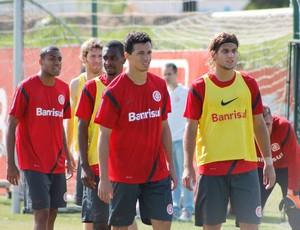 Leandro Damião e Cassiano formarão ataque contra o Náutico. He-Man será banco (Foto: Diego Guichard/GLOBOESPORTE.COM)