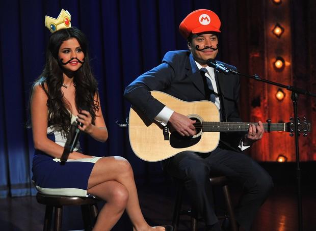 Selena Gomez e Jimmy Fallon (Foto:  Theo Wargo/ Getty Images)