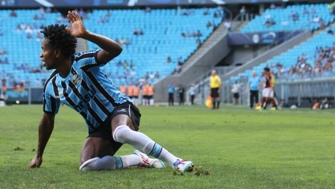 Zé Roberto contra o Flamengo (Foto: Diego Guichard)