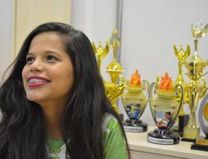 Rosalina Souza ganhou um espaço entre os condutores da tocha com uma redação  (Foto: Jheniffer Núbia/GloboEsporte.com)