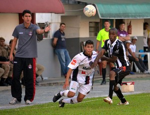 Rafael Rocha técnico Juventus Maicon Jackson Figueirense (Foto: Henrique Porto/Avante!)