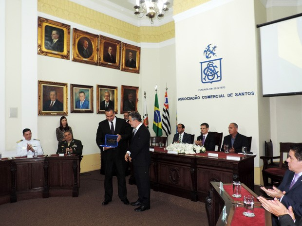 Cerimônia de posse aconteceu na Associação Comercial de Santos (Foto: Divulgação/Associação Comercial de Santos)