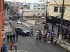 Polícia interdita rua em Cariacica, ES, após suspeita de bomba em carro