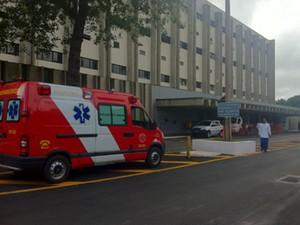 Entrada do Hospital de Base, em Brasília, nesta sexta-feira (30) (Foto: Raquel Morais/G1)