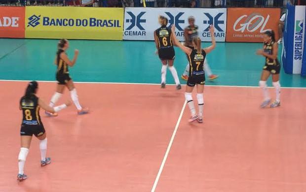 Praia Clube Maranhão Superliga Feminina 2013/2014 (Foto: Gulit Patielle)