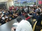 Alunos deixam Reitoria da UFJF após 16 dias de ocupação