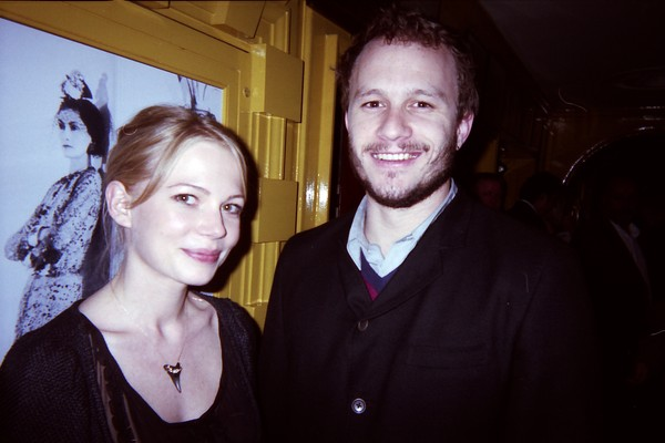 Michelle Williams e Heath Ledger. (Foto: Divulgação)
