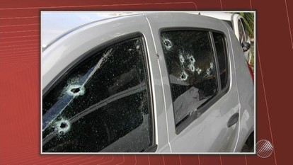 PM é baleado por outros policiais dentro do próprio carro em Lauro de Freitas