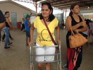 Maria Lúcia fez questão de votar e escolher quem vai administrar o país (Foto: Gaia Quiquiô/G1)