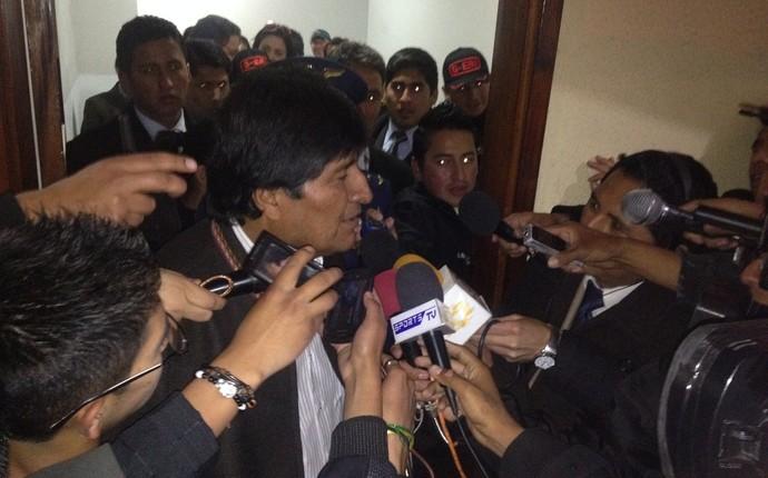 Presidente Evo Morales marcou presença no jogo entre Strongest e Atlético-PR (Foto: Monique Silva)