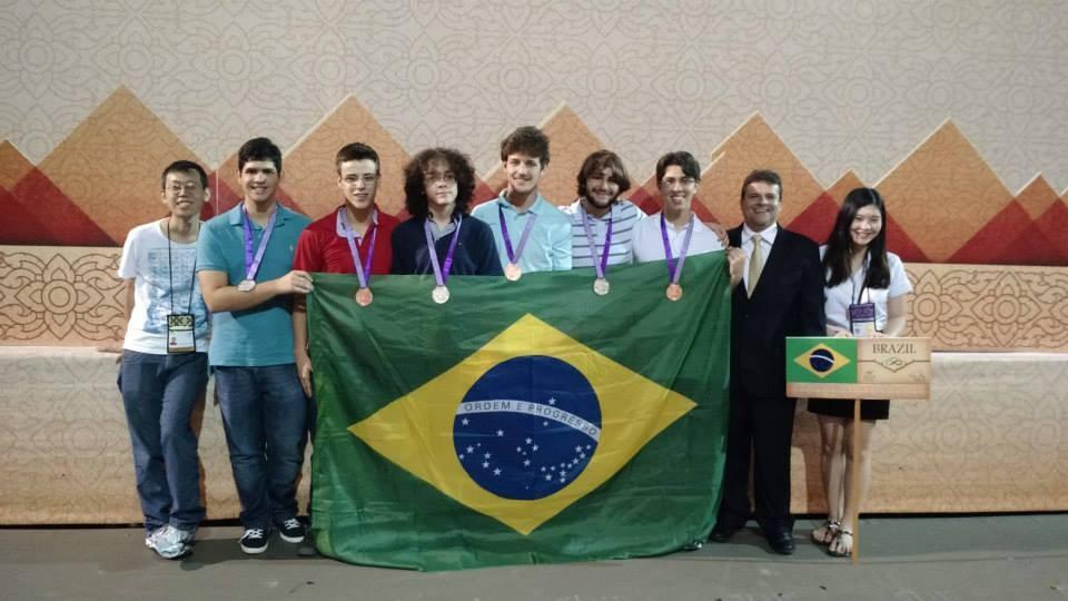 os medalhistas brasileiros (Foto: obm - divulgação)