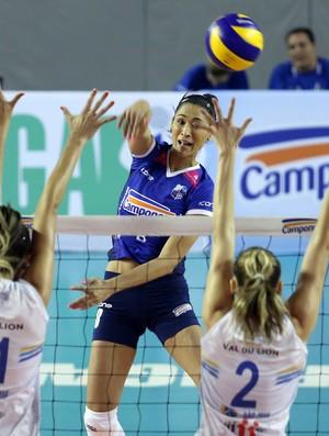 Jaqueline, no jogo Minas x São José (Foto: Orlando Bento / Minas Tênis)