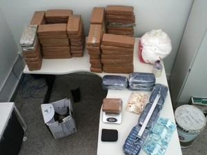 A Polícia Civil apreendeu mais de 100 kg de drogas em operação (Foto: Divulgação/SSP)