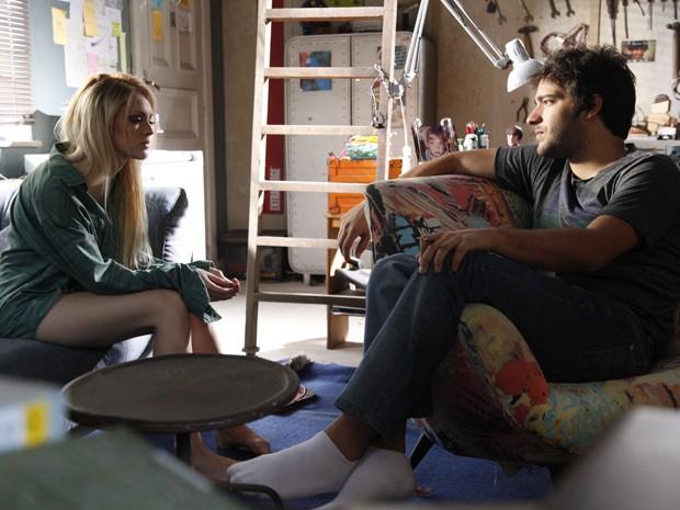 Megan e Davi discutem após loira provocar ciuminho de Davi na balada (Foto: Raphael Dias/TV Globo)