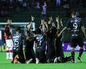 """Após bater o Vitória, Ayrton exalta invencibilidade no Scarpelli: """"Pontuar"""""""