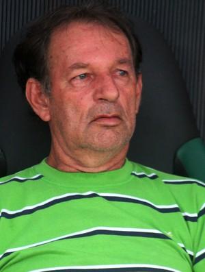 Paulo Capão, técnico Alto Acre, falou sobre dificuldades (Foto: João Paulo Maia)