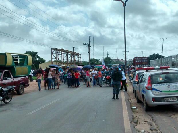 Professores fazem protesto na BR-135 (Foto: Divulgação/Rafael de Oliveira)