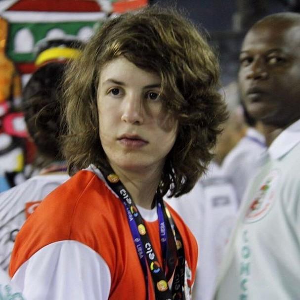 Luciana Gimenez se declara pro filho e fãs dizem que ele está a cara do Mick Jagger. Confira: