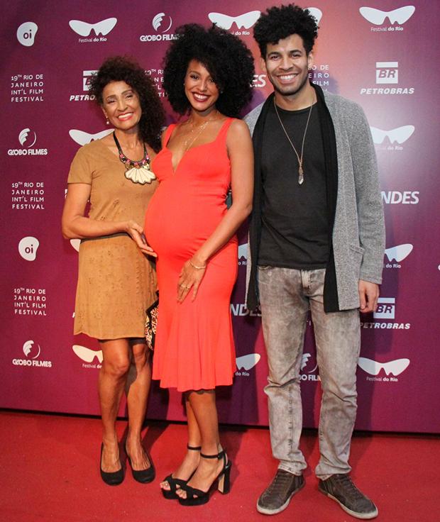 Sheron Menezzes com a mãe, Veralinda Menezes, e o irmão, Drayson Menezes (Foto: Wallace Barbosa/ AgNews)
