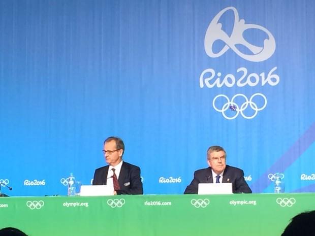 Thomas Bach, presidente do COI, durante coletiva no  Parque Olímpico (Foto: Matheus Rodrigues/G1)