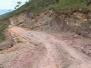 Estradas estão intransitáveis na Serra da Canastra (Foto: Reprodução/TV Integração)