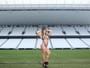 Ana Paula Minerato, musa da Gaviões da Fiel, posa no estádio do Corinthians