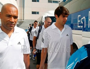 Kak� embarca para os EUA (Foto: Reprodu��o / Site oficial do Real Madrid)
