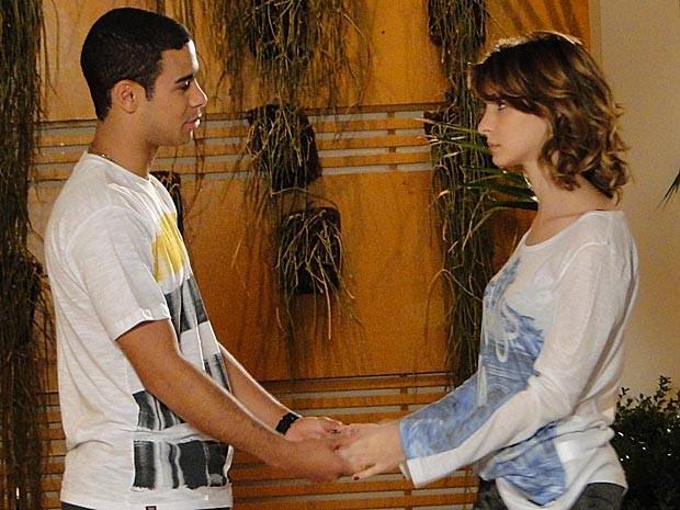 Niltinho e Isadora: cada vez mais apaixonados (Foto: Cheias de Charme / TV Globo)
