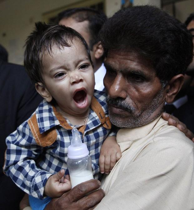 Justiça paquistanesa retirou a acusação contra um bebê de nove meses  (Foto: Mohsin Raza/Reuters)