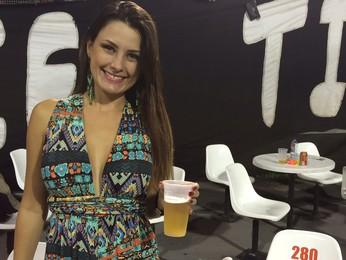 Mulheres recebem 'fiu-fiu' dentro e fora dos limites no sambódromo de SP (Flávia Mantovani/G1)