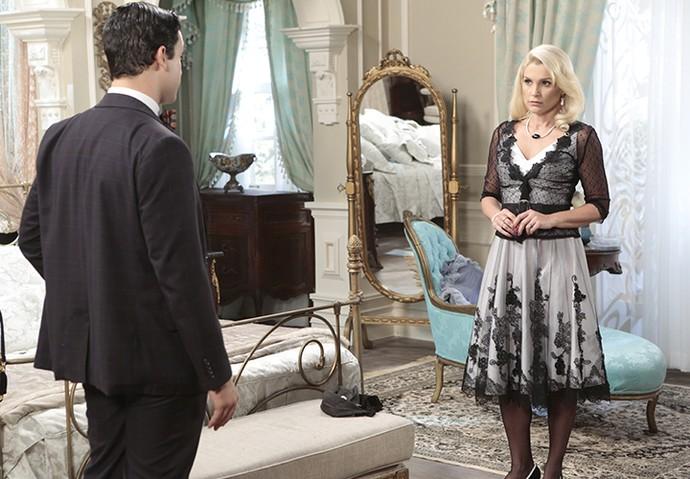 Sandra promete fazer da vida de Maria um inferno (Foto: TV Globo)