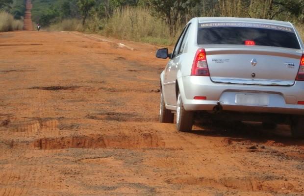 Justiça ordena a interdição parcial da GO-302 por excesso de buracos em Goiás (Foto: Divulgação/MP-GO)