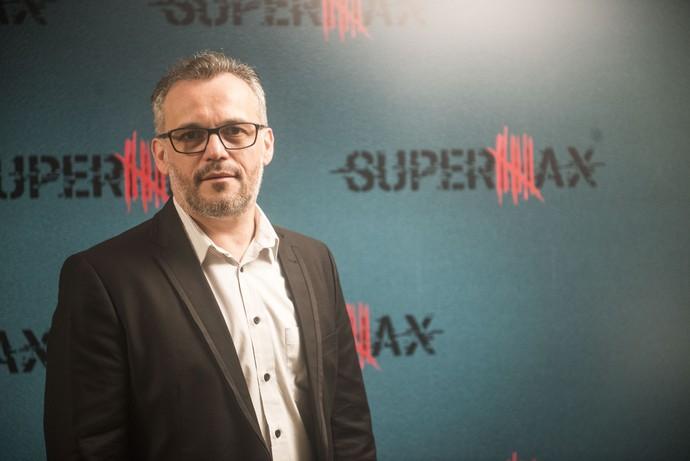 Ademir Emboava dá vida a José Augusto em 'Supermax' (Foto: Globo/Renato Rocha Miranda)