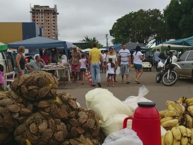 Feirantes de mercadores públicos ocupam acessos alternativos em Porto Velho (Foto: Assem Neto)