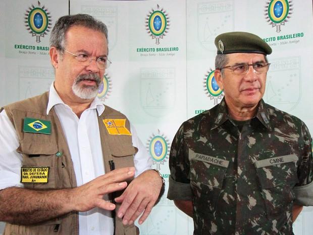 Após visita ao Recife, Jungmann seguiu para Bahia e Sergipe para acompanhar obras da transposição do Rio São Francisco  (Foto: Aldo Carneiro/Pernambuco Press)