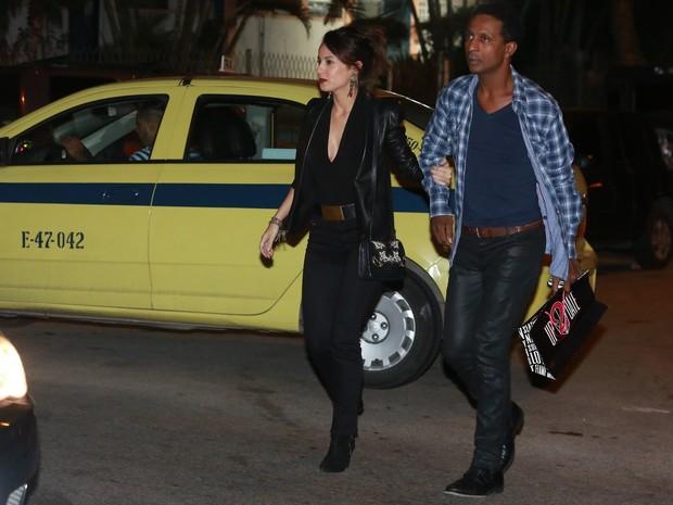 Andréia Horta e Luís Miranda em festa na Zona Oeste do Rio (Foto: Dilson Silva e Delson Silva/ Ag. News)
