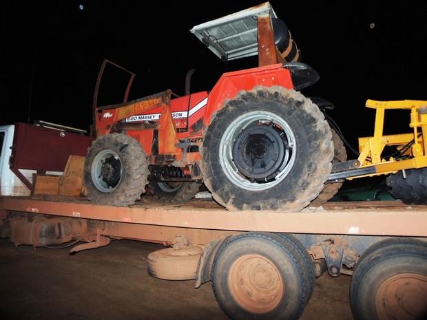 Gefron apreendeu veículos irregulares na fronteira de Mato Grosso (Foto: Gefron/MT)