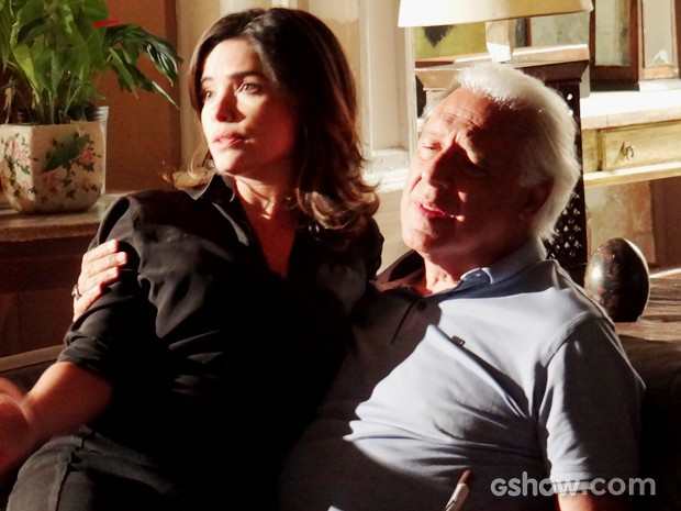 César volta a defende Aline (Foto: Amor à Vida/TV Globo)