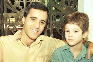 Álvaro (Tony Ramos) e Alvinho (Eduardo Caldas)
