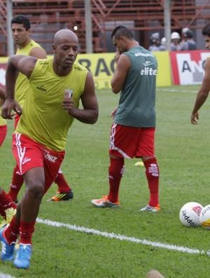 Cris, zagueiro do Botafogo-SP (Foto: Rogério Moroti/Ag. Botafogo)