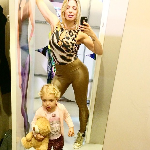 Sheila Mello com a filha (Foto: Instagram / Reprodução)