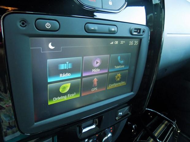 Sistema de conectividade Media NAV na Renault Duster Oroch (Foto: Luciana de Oliveira/G1)