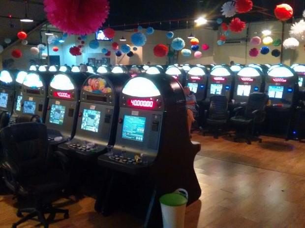 Máquinas em bingo clandestino na Zona Oeste de São Paulo (Foto: Hélio Torchi/Sigmapress/Estadão Conteúdo)