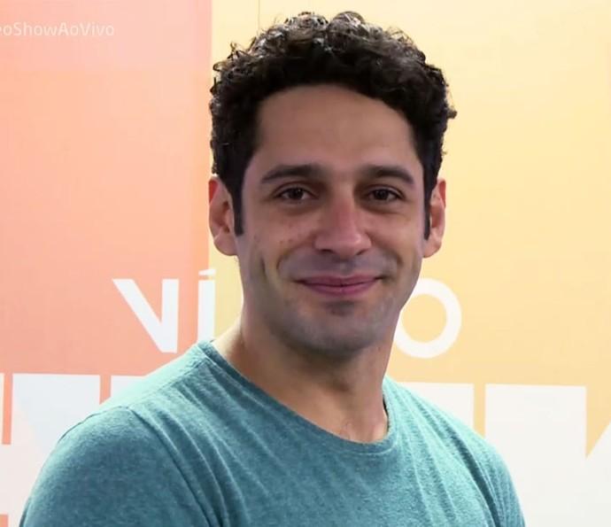 João Baldasserini conta que está solteiro e busca namorada (Foto: TV Globo)