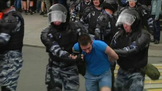 Na Rússia, protestos contra governo deixam mais de mil presos
