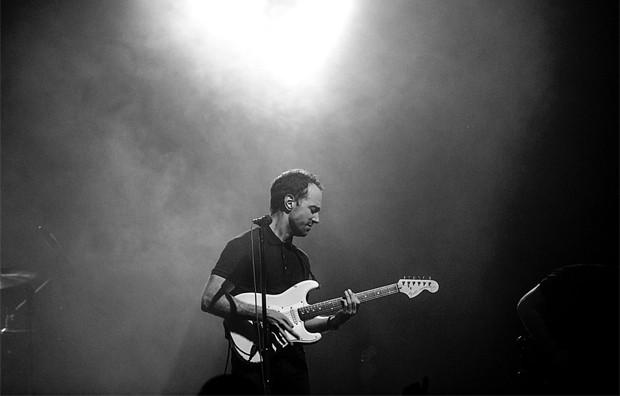 Albert Hammond Jr., guitarrista dos Strokes, lança o terceiro disco solo, 'Momentary masters' (Foto: Divulgação / Frank Fu / Site oficial)