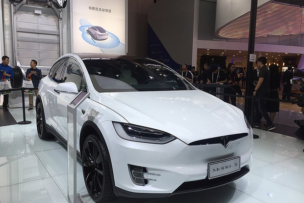 Tesla Model X no Salão de Pequim 2016 (Foto: Michelle Ferreira/Autoesporte)