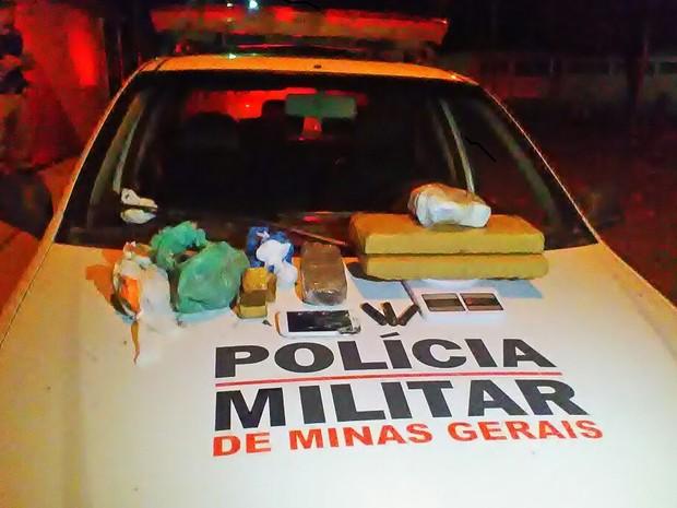 Material foi apreendido na c (Foto: Polícia Militar/Divulgação)