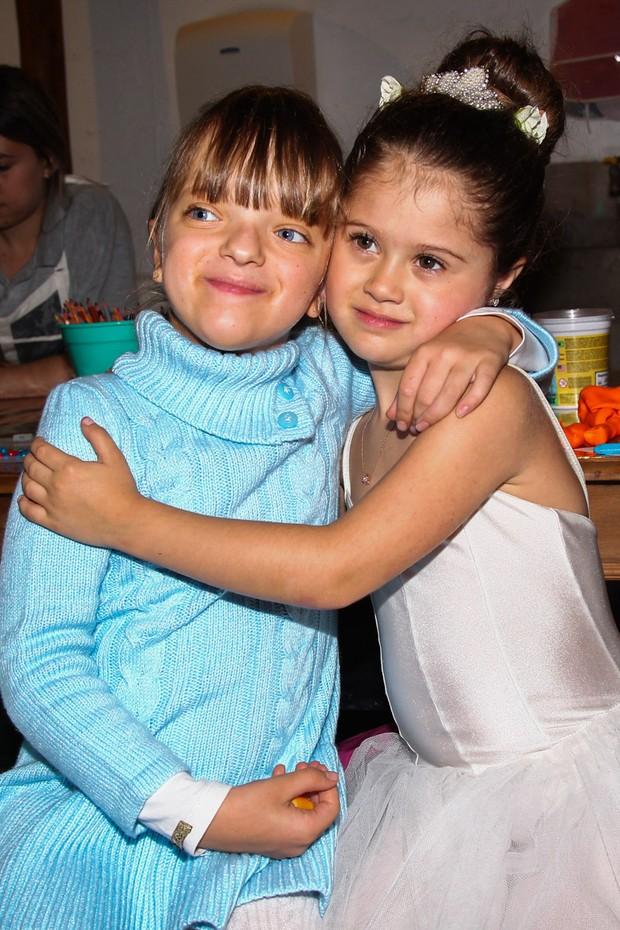 Rafaella Justus com Victoria_aniversariante - Festa de aniversário de 5 anos de Vicky, filha de Mariana Kupfer (Foto: Manuela Scarpa / PhotorioNews)
