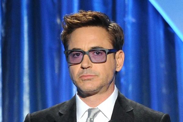 Robert Downey Jr. sofreu por muitos anos por conta do vício em drogas. Além das várias visitas a clínicas de reabilitação, o ator foi preso por dirigir bêbado e por posse de armas e heroína. Após muitos tratamentos, hoje ele está sóbrio (Foto: Getty Images)
